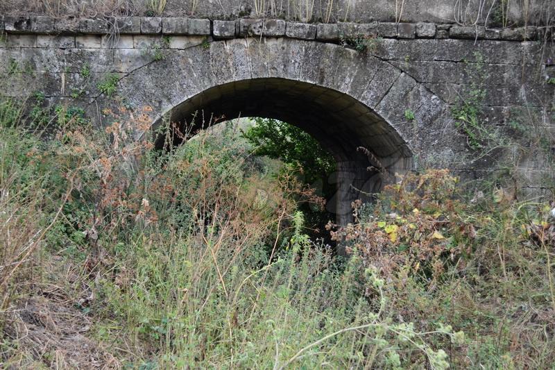 podurile de piatra