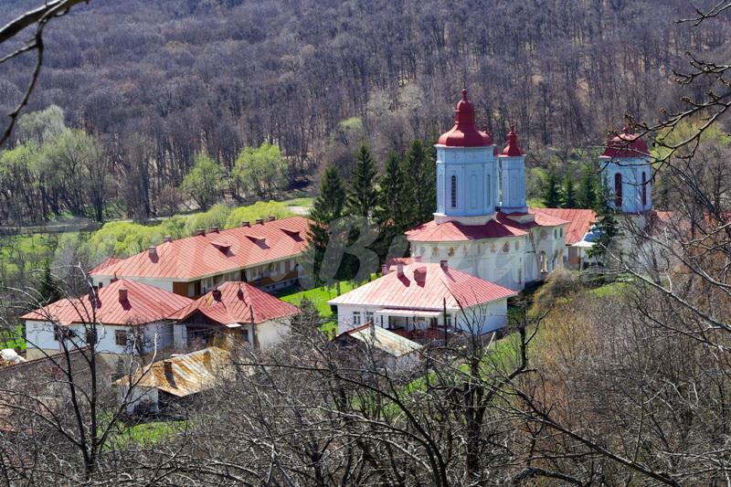 manastiri buzau manastirea ciolanu