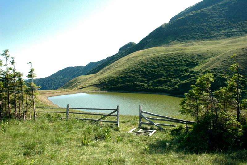 lacul vulturilor turism buzau