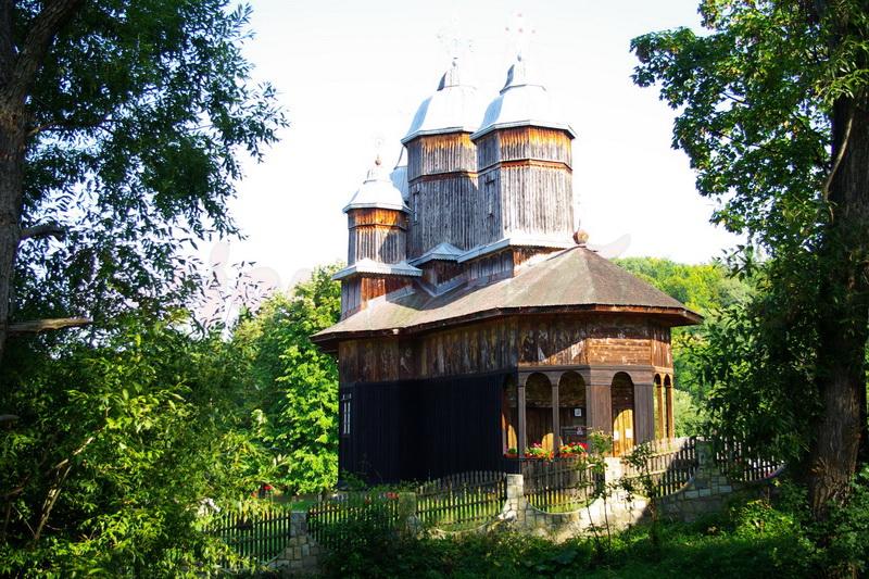 manastiri buzau manastirea poiana marului