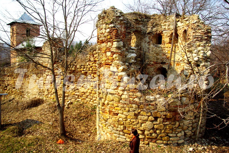 biserici vechi manastiri buzau