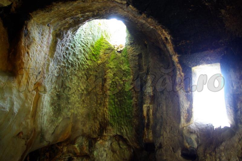Complexul rupestru Alunis
