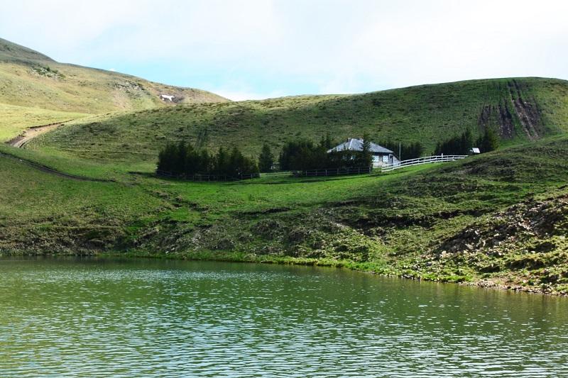 cabana lacul vulturilor